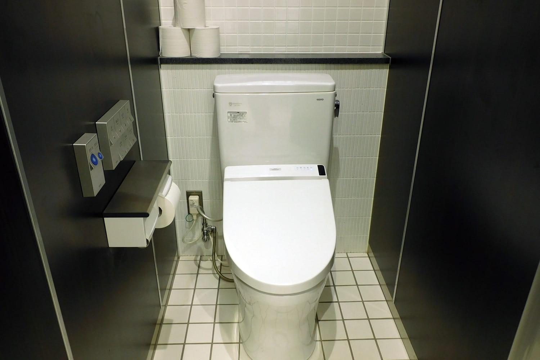 https://www.snowpeak.co.jp/assets/images/campfield/tosashimizu_ph_toilet